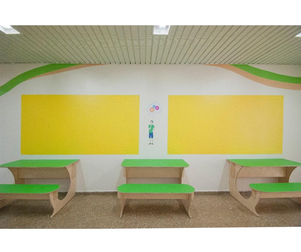 עיצוב קיר פעיל מלוחות מגנט ושולחנות קיר