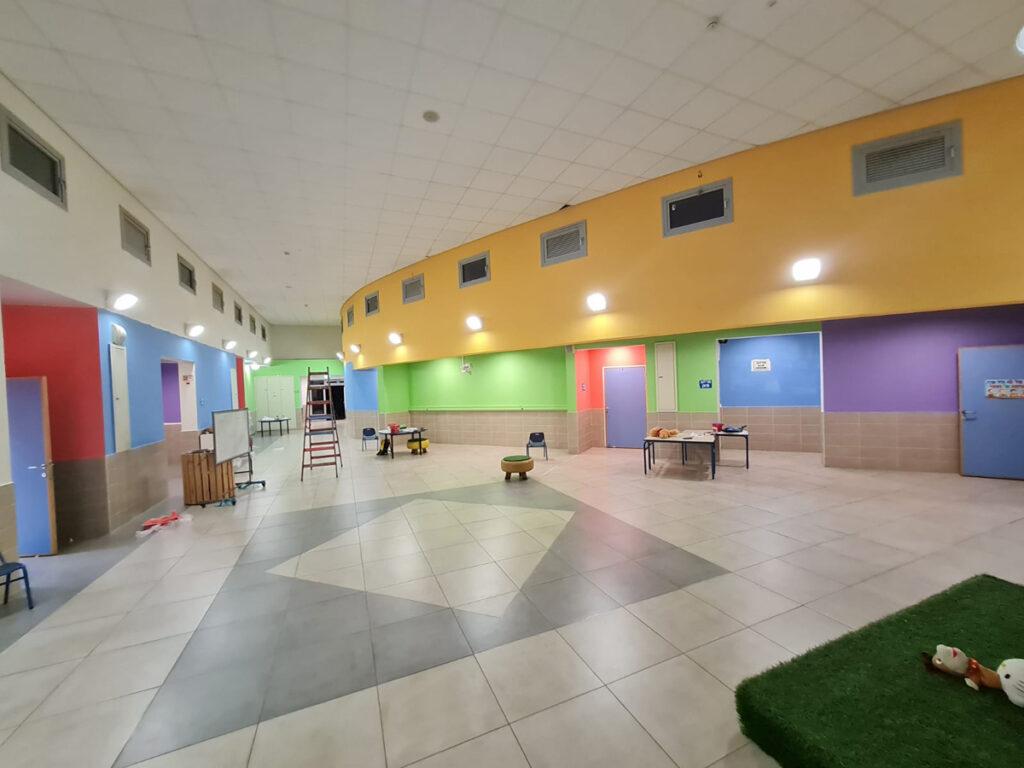 בית הספר ניצנים עיצוב מרחב מתחם ובחירת צבעי קיר