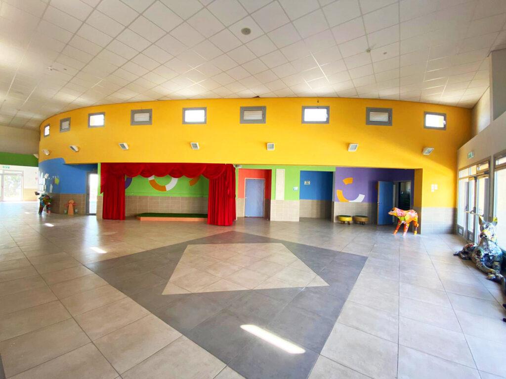 בית הספר ניצנים עיצוב מרחב במת תלמידים